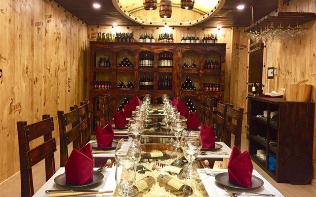 Vin De Soleil Restaurant - Món Âu & Á