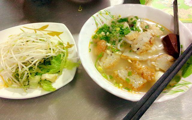Công Hằng - Bánh Canh Chả Cá Nha Trang - Cư Xá Phú Lâm B