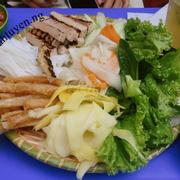 Nem nướng best nhất khu NEU thì chắc không quán nào ngon hơn Nem nướng Hải Anh đâu nhỉ 🤣🤣 Nhưng so với các khu từng ăn thì ở đây gọi là ăn ổn thôi 🤭🤭 📍 Nem nướng Hải Anh - 502D1, Ngõ Tự Do, Trần Đại Nghĩa 💰 30k  #Nemnuong #NemnuongHaiAnh #Food #Foodie #Foody #AndelanxHaiBaTrung #Hanoi #Vietnamfoods #wH