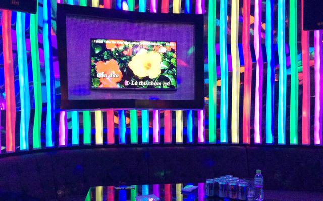 Họa Mi Karaoke - 30 Tháng 4