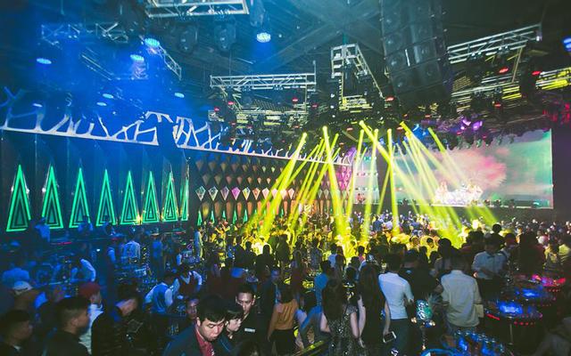 New Hạ Long Club