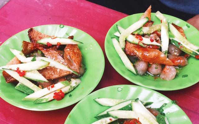 Bánh Quai Vạc & Bánh Mì Chả Cá