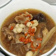 Đuôi Bò hầm hạt sen thuốc bắc