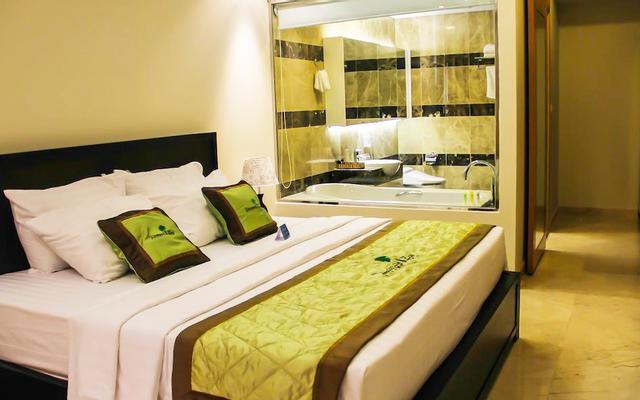 Celina Bayfront Nha Trang Centre Hotel