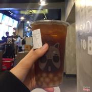 Còn đây là hồng trà ceylon, uống hơi chát nên mình khuyên bạn nào k thích uống trà k nên gọi