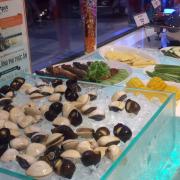 Hải sản và rau các loại