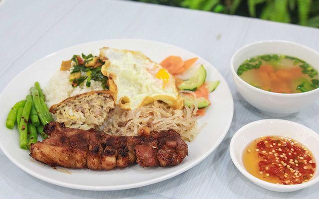 Trinh Sài Gòn - Cơm Tấm Sườn Cây