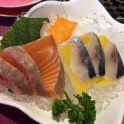 Cá hồi và cá trích ép trứng