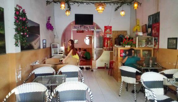 Út Liên Cafe