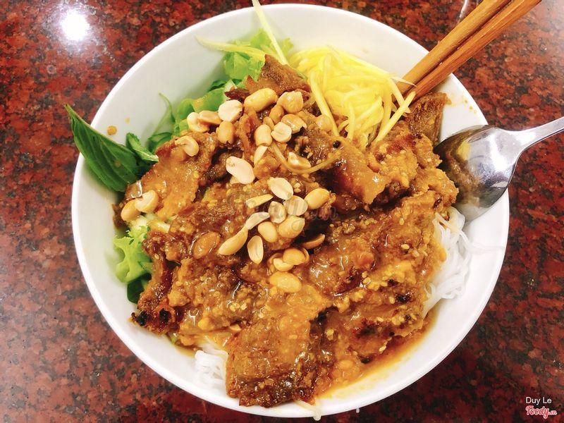 Bún thịt nướng ngon tuyệt, khác hẳn loại bún thịt nướng thường ăn tại SG