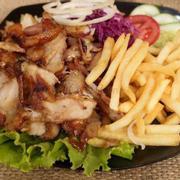 Được bạn bè quảng cáo nhiều nay mới có dịp ăn thử cơm kebab cảm thấy rất ngon và vừa miệng 😋 giá cả lại hợp lý , phục vụ nhanh nhẹn nhiệt tình hết ý . Thoả mãn ngay cơn đói 😋 sau có dịp lại qua cửa hàng ăn