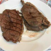 Steak order tại quầy món Âu
