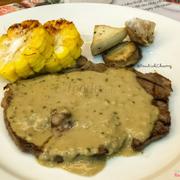 Steak sốt tiêu xanh