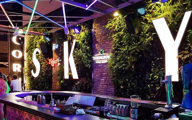 Corner Sky Bar