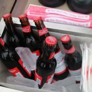 Khay bia tại bàn... ly cũng có đá nữa, nhậu đã :))