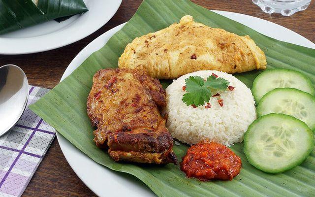 The Daun Restaurant - Nhà Hàng Malaysia