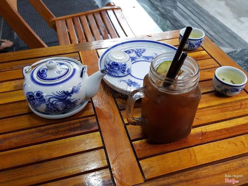 Ghé quán làm 1 lyHồng Trà, 1 ly rất nhiều thơm ngon đến giọt cuối cùng mà có 15k khuyến mãi 1 ấm trà bắc