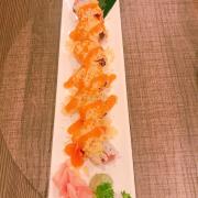 Sushi cuộn cá ngừ trộn cay