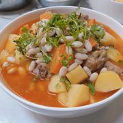 Sườn heo nấu khoai tây cà rốt