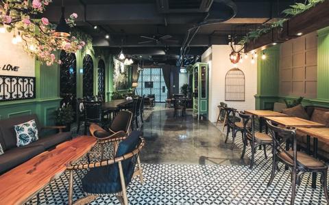 Le Soleil Cafe