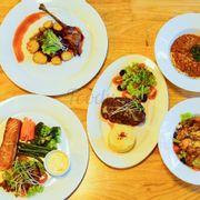 #olivedinner #pasta # chickensalad # beefsteak # salmomfile # duckconfit #
