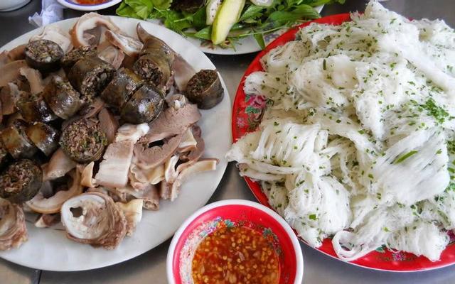 Bánh hỏi lòng heo- ăn sáng ở Cam Ranh