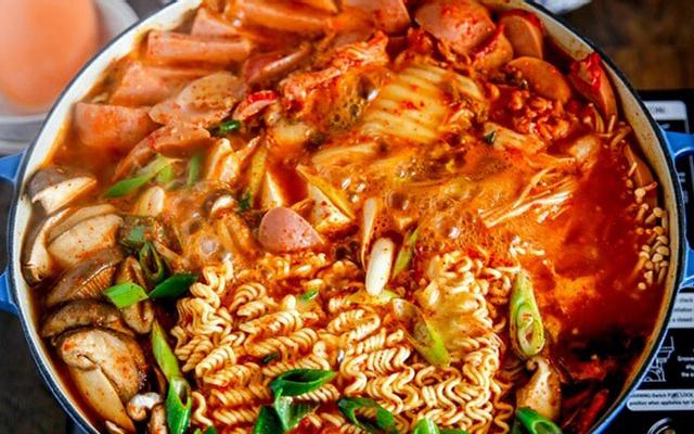 Camry Quán - Mì Cay - Kem Dừa & Các Món Ăn Vặt