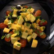 Salad nhiệt đới. Ngon