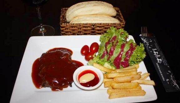 Beefsteak Titi - Lê Văn Sỹ