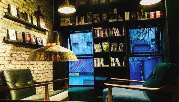 The Hidden ElePhant - Books & Coffee