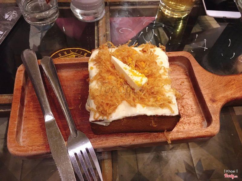Bánh toast phô mai trứng muối