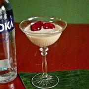 Cocktail Hoa Hồng và ngọc trai do anh chủ sáng tạo