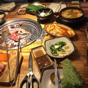 Hôm nay mình lại tiếp tục đi ăn ở Gogi Vạn Hạnh 🥺🥺 vẫn là không chê vào đâu được. Món lên nhanh, nhân viên phục vụ tốt.