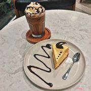 Chocolate Frappe + New York Tiramisu
