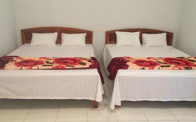 Y Bon's Hostel