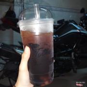 Hôm bữa uống Trà đen khuyến mãi chỉ có 10k , không biết đến hôm nay còn khuyến mãi không, trà ngon kèm trân châu nhai bao đã 😆