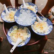 Một chút mát mát, béo béo, ngậy ngậy cho ngày hè 🤪 📍 Chè nhà Suvy - 33 Quang Trung, Hoàn Kiếm #andelanxHaiBaTrung #andelanxchekhucbach #foody #foodie #monngonhanoi #hanoiwander #photobyme