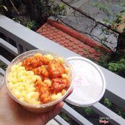 Mac N Cheese gà cay