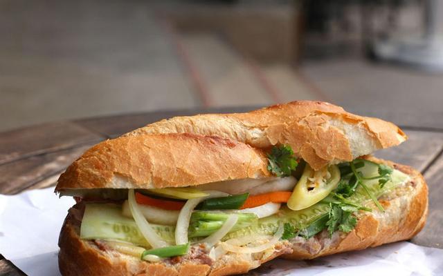 Bánh Mì Thịt - Cầu Xéo