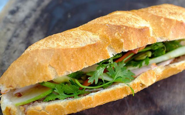 Bánh Mì Thịt - Khiếu Năng Tĩnh