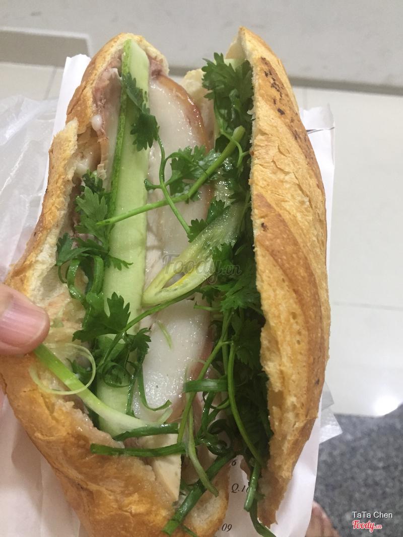 Bánh mì thịt chả