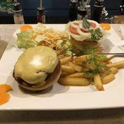Món Burger Jumpo Beef ngon tuyệt