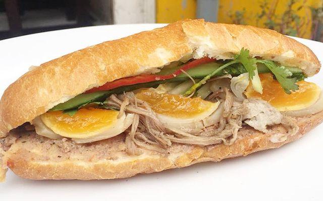 Bánh Mì Hà Nội - 671 Lạc Long Quân
