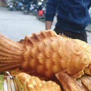 Bánh cá ngon và phê không tưởng