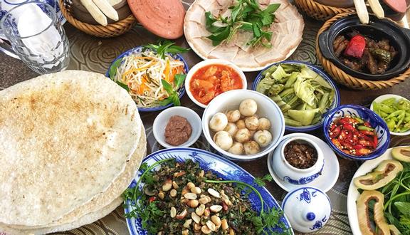 Lửa Việt Restaurant - Cơm Niêu