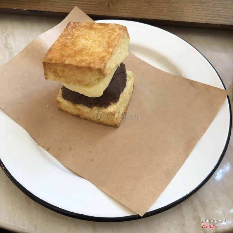 Angbutter scone