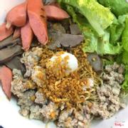 Mì (gói) khô tim, thịt bầm, trứng cút (thêm phần tim)