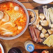 Lẩu hải sản kimchi nhiều topping cực kì luôn 🤩🤩