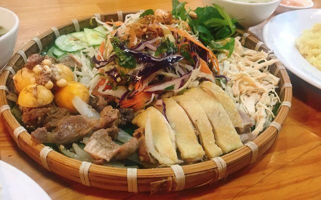 Con Gà Mái - Cơm Gà Phú Yên - Quang Trung