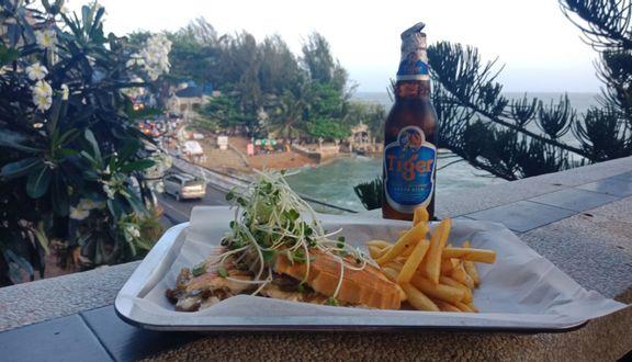Pineapple Beach Bar